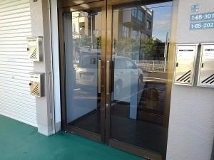 相原ビル 玄関